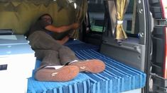 home made Kangoo for two peoples Car Camper, Mini Camper, Camper Van, Kangoo Camper, Travel Style, Bean Bag Chair, Camping, Tiny Homes, Traveling