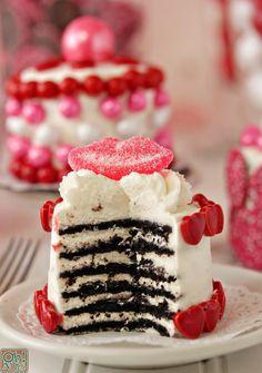 Easy Valentine's Day Mini Cakes | OhNuts.com