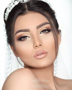 132 vintage wedding makeup ideas you should try now page 35 132 Vintage Hochzeit Make-up-Ideen Bridal Hair And Makeup, Wedding Hair And Makeup, Hair Makeup, Makeup For Brides, Vintage Wedding Makeup, Winter Wedding Makeup, Wedding Makeup For Brown Eyes, Best Wedding Makeup, Wedding Beauty