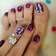 هذه #أظافر اليوم  Here's a picture of my Tuesday Nails matching my Monday Pedi and here's a picture of them together. Purple and White Drag Marble Toe Nails and Purple and White Drag Marble Nails using Flormar #432