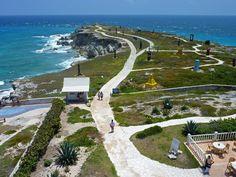 Punta Sur en Isla mujeres es el primer lugar del día donde dan los rayos del sol en México.