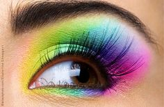 Pastel en Neon kleuren This picture is from a dutch blog. Beautiful eye colors. Gold is beautiful and browns are okay, but when you light your eyes up. This is beautiful. Sometimes one color or two and sometimes even more. My thoughts. Incensewoman