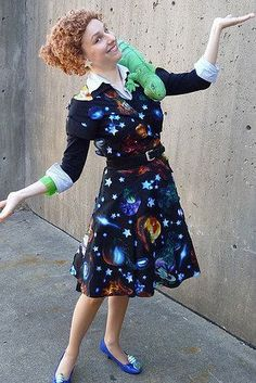 This Ms. Frizzle who will take you right back to your childhood. | 24 Halloween Costumes That Will Make You Do A Double Take #funnyhalloweencostumes