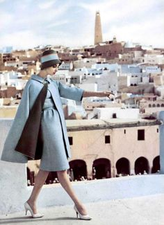 Retro Fashion wool dress and wool reversible cape by Nina Ricci, photo by Roland de Vassal, Algiers, 1960 1960s Fashion, Moda Fashion, Vintage Fashion, Victorian Fashion, Fashion Fashion, Korean Fashion, Winter Fashion, Fashion Tips, Moda Vintage