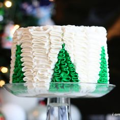english christmas decorated cakes | Christmas tree ruffles | Cakes- Decorated