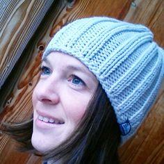 Das #gestern #abend #project - ich hatte mich in dieses #dreckige #weiß schon länger #verliebt  und es passt einfach zu allem... #handmade #handgestrickt #crafter #knit #knittedwithlove #love #addictedtowool #classic #outfit #endlich #winter #snow #smellslikewinter #stricken #wool #handknitted #white #beanie #haube #mütze #franzstrick Gibt's auch schon im online Shop www.franzstrick.at