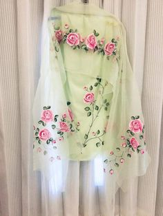 Fabric Colour Painting, Fabric Painting On Clothes, Dress Painting, Painted Clothes, Kurti Designs Party Wear, Kurta Designs, Blouse Designs, Saree Painting Designs, Fabric Paint Designs