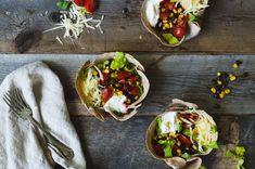Salade tacos végétarienne Good Food, Meals, Ethnic Recipes, Four, Vinaigrette, Conservation, Simple, Instagram, Toasted Pecans