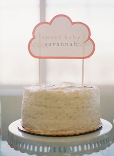 Cloud Themed Baby Shower by Chanda Alicanté of the Paper Crew via www.babyshowerideas4u.com #babyshowerideas4u