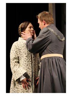 Henry V directed by Dominic Dromgoole. Olivia Ross as Princess Katherine, Jamie Parker as Henry V.(C) Stephen Vaughan