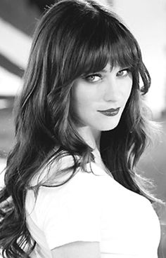 Zooey Deschanel ~ LOVE her hair!