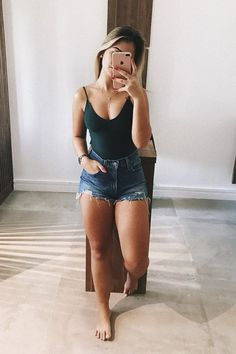25 Cute Trendy Summer Outfits to Copy Now Cute Summer Outfits Copy Cute outfits Summer Trendy Trendy Summer Outfits, Cute Casual Outfits, Spring Outfits, Outfit Ideas Summer, Summer Shorts Outfits, Cute Jean Outfits, Unique Outfits, Denim Shorts Outfit, Shorts Outfits Women