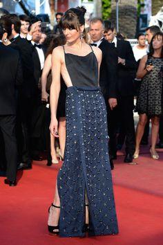 """Cannes Film Festival """"Cleopatra"""" Premiere: Milla Jovovich in Prada Fashion Fail, Star Fashion, Love Fashion, Fashion Beauty, Icon Fashion, Festival Mode, Festival Fashion, Film Festival, Milla Jovovich"""