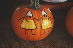 Painted Pumpkin, I'm so doing this for the baby hardy