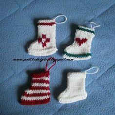 25 Ideas For Knitting Christmas Decorations Mini Lace Patterns, Baby Knitting Patterns, Knitting Yarn, Free Knitting, Knitted Christmas Decorations, Christmas Stockings, Christmas Crafts, Christmas Ornaments, Christmas Time
