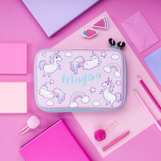 Brilliant Girls Unicorn and Cat Pencil Case. Hard Top, Embossed Material will protect the stationary accessories with no problem. Unicorn Pencil Case, Unicorn Cat, Unicorn Gifts, Cute School Supplies, Cat Supplies, School Bags For Girls, Gifts For Girls, Unicorn Stationary, Kipling 100 Pens Case