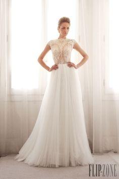 Gemy Maalouf Colección 2014 - Novias - http://es.flip-zone.com/fashion/bridal/couture/gemy-maalouf-4528