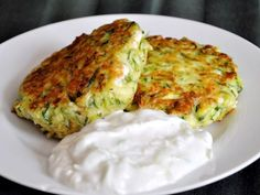 Kolokithokeftedes (Greek Zucchini Fritters) with Tzatziki Re .- Kolokithokeftedes (Greek Zucchini Fritters) with Tzatziki Recipe Greek Recipes, Vegetable Recipes, Diet Recipes, Vegetarian Recipes, Cooking Recipes, Healthy Recipes, Gourmet Recipes, Fun Cooking, Recipes Dinner