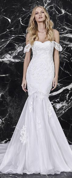 """Are you ready for something totally amazing? Victoria KyriaKides' Bridal Spring 2018 Collection """"Le Boudoir"""" is so beautiful, it's going to blow you away!"""