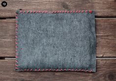 laptop sleeve idea I like the stitching in contrast colour