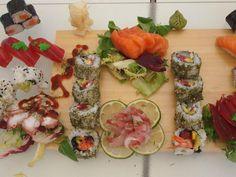 Offu Sushi Bar, Premià de Mar - Opiniones, Número de Teléfono & Fotos - TripAdvisor Sushi, Barcelona Restaurants, Bean Stew, Sandwich Cake, Hors D'oeuvres, Best Appetizers, Savoury Cake, Food Design, Fresh Rolls