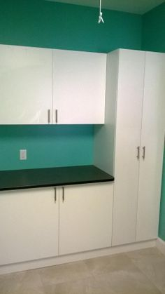 Laundry room in Odessa, FL.  #customlaundryroom #laundryroom #laundry