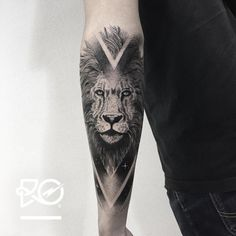 By RO. Robert Pavez • Lion VII • Now taking Bookings 2017: robert@roblackworks.com ⚫️ Please! Do Not Copy ® ‍ • Studio Nice tattoo - Stockholm - Sweden 2017