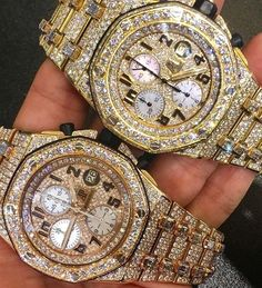 Bust down Audemars Piguet watch. Who can tell the difference? Luxury Watches, Rolex Watches, Watches For Men, Trendy Watches, Dream Watches, Elegant Watches, Beautiful Watches, Audemars Piguet Watches, Hand Watch