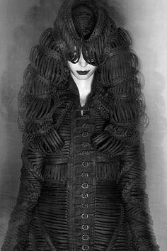 Iris van Herpen – Mummification
