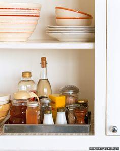 Baking-Pan Organizer | Img @ Martha Stewart. http://www.marthastewart.com/273087/baking-pan-organizer