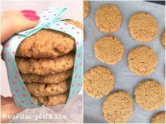 Není nad to mít dobrý recept na domácí sušenky. Potěší, když máte chuť na něco sladkého, nebo chcete pro děti zdravější alternativu průmyslově vyráběných sušenek. Christmas Sweets, Muesli, Valspar, Dog Food Recipes, Cupcake Cakes, Food And Drink, Candy, Cookies, Baking