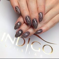 Ania Leśniewska Find more Inspiration at www.indigo-nails.com #nails #snakeskin #manicure