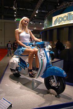 Vespa Primavera Polini - - Pin to Pin Vespa Bike, Motos Vespa, Piaggio Vespa, Lambretta Scooter, Scooter Motorcycle, Vespa Scooters, Motard Sexy, Foto Picture, Italian Scooter