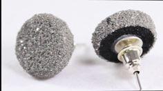 Orecchini bottone grigio