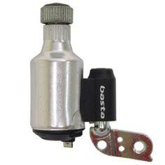 rond 1830 werd de dynamo uitgevonden door faraday. met een dynamo kan je met een draaibeweging elektrische stroom opwekken.