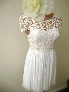 NWT SIZE 8 White CROCHET Daisy LACE Mini Cap Sleeve COCKTAIL DRESS VINTAGE
