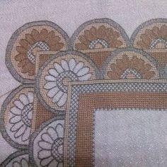 Κεντήματα Λασέ, Κοφτά, Σταβροβελονιά, Κουρτίνες, Πασχαλινα, Χριστουγεννιάτικα Cross Stitch, Diy, Crafts, Punto De Cruz, Dots, Pattern, Bricolage, Seed Stitch, Cross Stitches