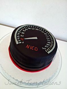 speedometer cake - Birthdaycake for a little racing driver. Cake is filled with vanillasponge and strawberrycream!