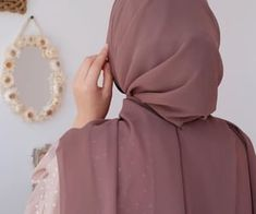 Hijabi Girl, Girl Hijab, Hijab Outfit, Muslim Fashion, Modest Fashion, Fashion Outfits, Beautiful Muslim Women, Beautiful Hijab, Hijab Collection