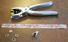 this and that: soother /pacifier clip - tutorial