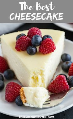 The BEST Cheesecake Recipe EVER! It's supremely creamy and glides right across the tongue. Top it with fresh berries or whipped cream then step into cheesecake heaven. Learn how to make the best cheesecake with this melt in your mouth recipe! Baked Cheesecake Recipe, Best Cheesecake, Classic Cheesecake, Homemade Cheesecake, Chocolate Cheesecake, Plain Cheesecake, Personal Cheesecake Recipe, Cheesecake Americana, Strawberry Cheesecake Recipes