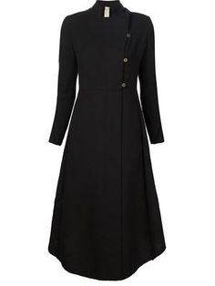 длинное расклешенное пальто