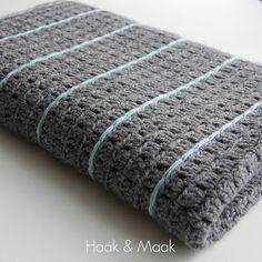 Toen ik in 2014 begon met mijn blog was de Stoere deken een van de eerste haakprojecten die ik liet zien. Heel leuk vind ik het om te zien dat deze nog steeds heel veel bekeken wordt. Het is ook wel e
