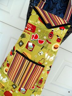Reversible Chef Style BBQ Apron in Retro Print and Stripes. $22.00, via Etsy.
