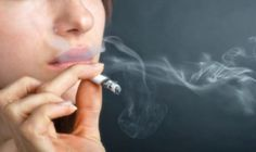Quit Smoking Tips. Kick Your Smoking Habit With These Helpful Tips. There are a lot of positive things that come out of the decision to quit smoking. You can consider these benefits to serve as their own personal motivation Health And Beauty, Health And Wellness, Health Tips, Asthma, Natural Home Remedies, Natural Healing, Holistic Healing, Effects Of Nicotine, Help Quit Smoking