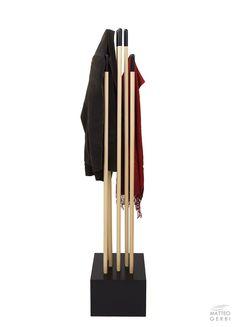 STEM wooden coat stand - EN | TheMAG