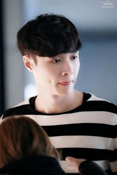 #Lay  credit on pic