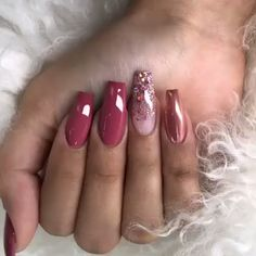 Bling Acrylic Nails, Best Acrylic Nails, Green Nails, Pink Nails, Red Glitter Nails, Black Nails, Stylish Nails, Trendy Nails, Fancy Nails