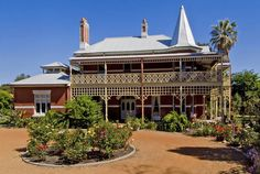 Earlsferry House Bed and Breakfast - elegance and style on the Swan River near Perth, Western Australia Perth Western Australia, Australian Homes, Wood Bridge, Bed And Breakfast, Cool Places To Visit, The Good Place, Real Estate, Mansions, Architecture