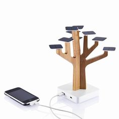 Solar Suntree charger to juice up your USB devices